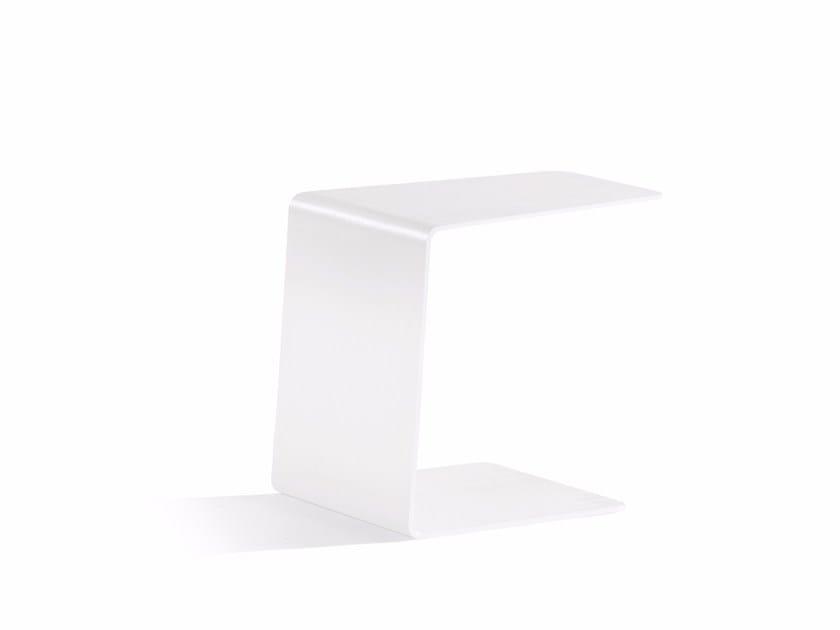 Aluminium garden side table CLOSED SIDETABLE 36   Garden side table by MANUTTI