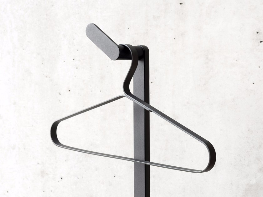 Painted metal clothes hanger COAT HANGER 0118 - Schönbuch