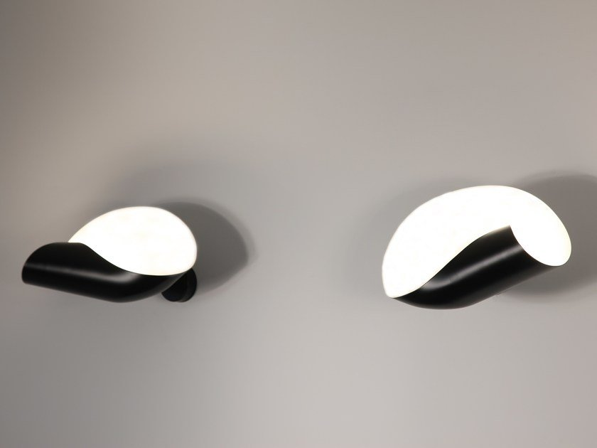 Direct-indirect light metal wall light CONCHE - Editions Serge Mouille