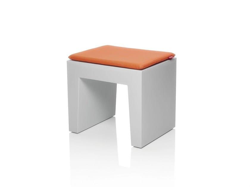 Upholstered polyethylene stool CONCRETE SEAT | Upholstered stool - Fatboy Italia