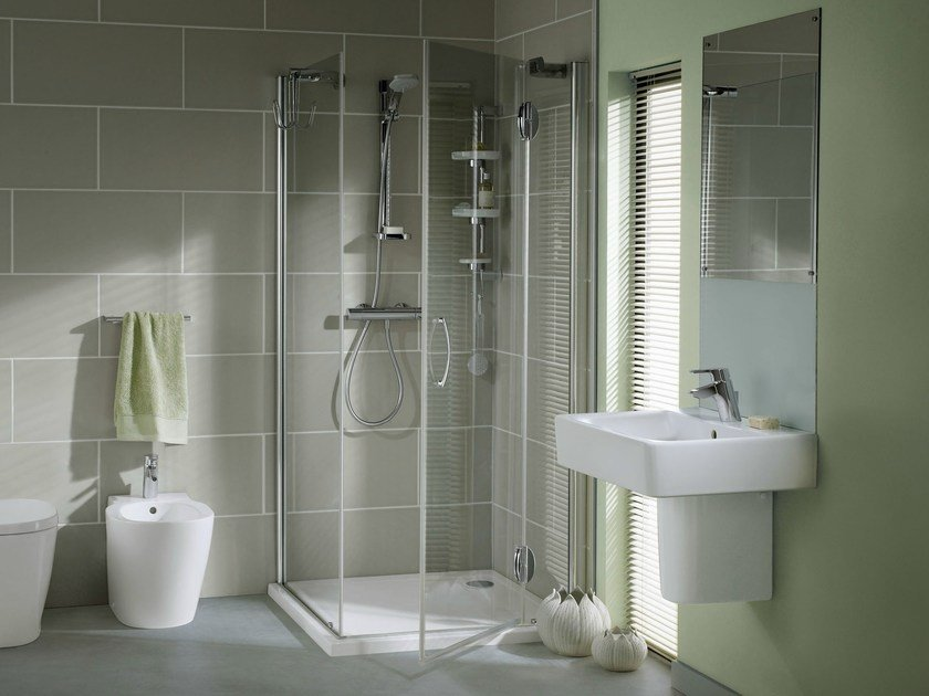 Corner tempered glass shower cabin with hinged door CONNECT | Shower cabin - Ideal Standard Italia