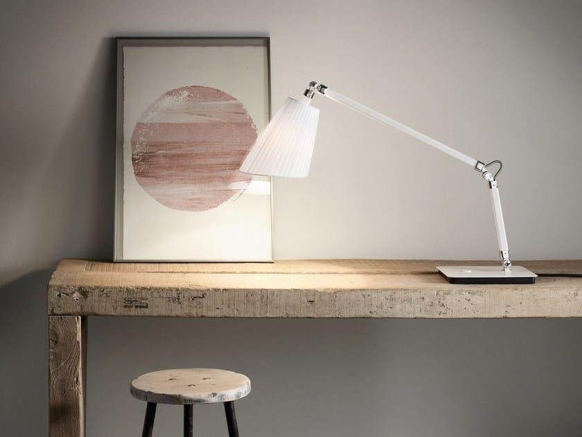 Lampada da tavolo orientabile CORNELIA T - BOVER Il. Luminació & Mobiliario