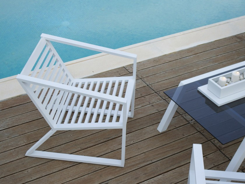 Sled base aluminium garden armchair with armrests CORNER | Aluminium garden armchair - Efasma