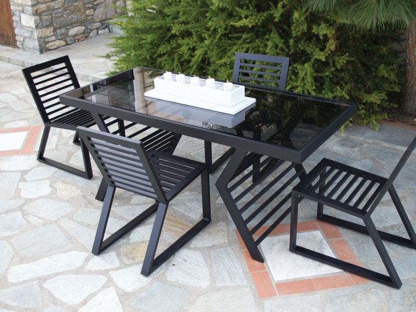 Rectangular glass garden table CORNER | Aluminium garden table - Efasma
