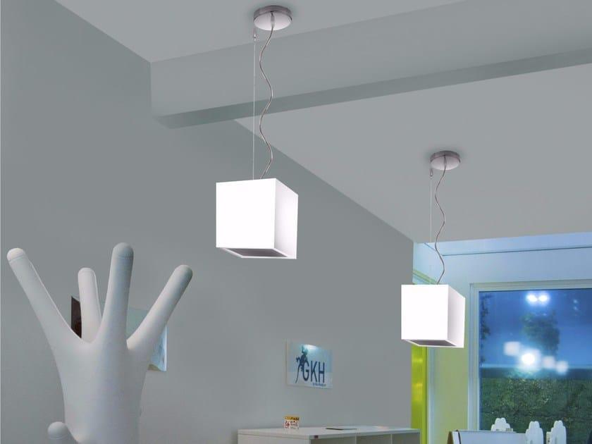 Lampada a sospensione a LED a luce diretta in polietilene CUBE | Lampada a sospensione - GLIP by S.I.L.E