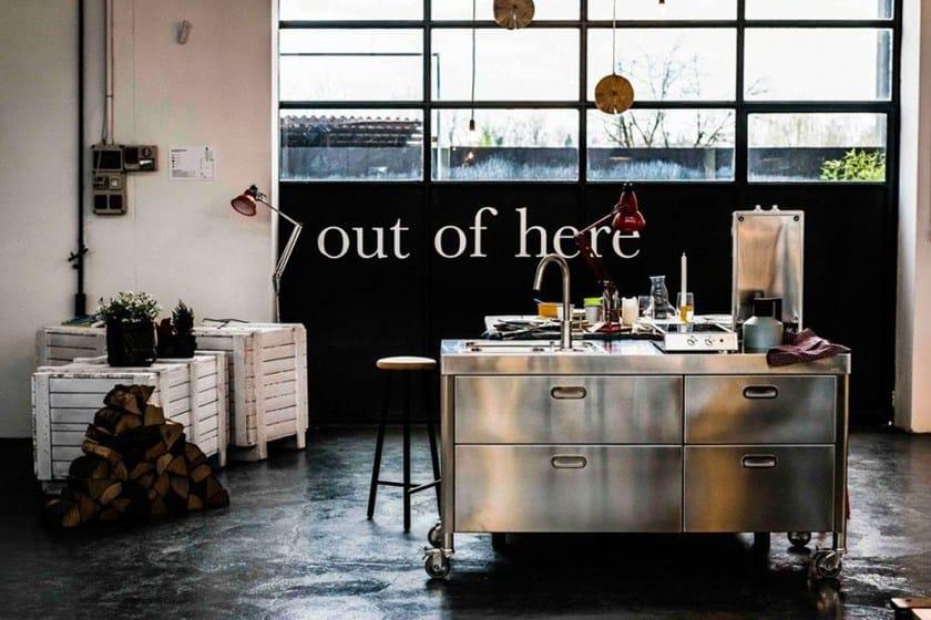 """Mobili Da Cucina Su Ruote : Minicucina in acciaio su misura cucina """"out of here"""