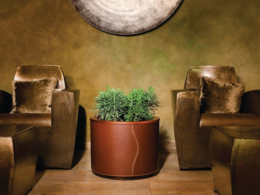 Round leather plant pot with automatic watering CUIR   Round plant pot by Hobby Flower