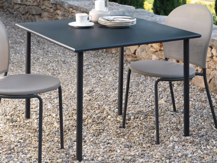 Steel garden table CURVY | Garden table - Talenti