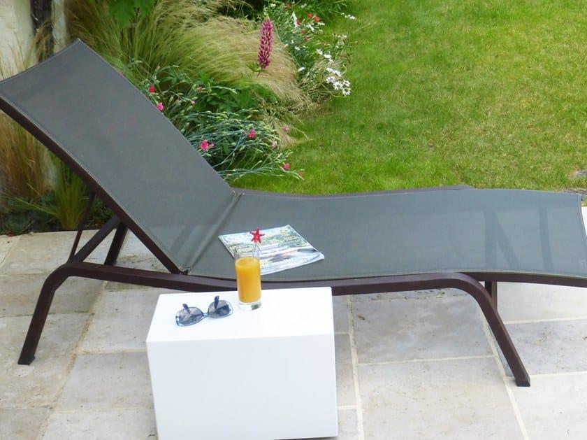 Tavolino da giardino su misura con ruote CUSTOM SIDE TABLE IMAGE'IN | Tavolino - IMAGE'IN by ATELIER SO GREEN