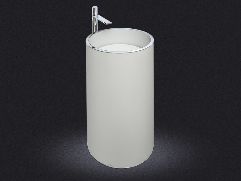 Freestanding round resin washbasin CYLINDRIC | Freestanding washbasin - Vallvé Bathroom Boutique