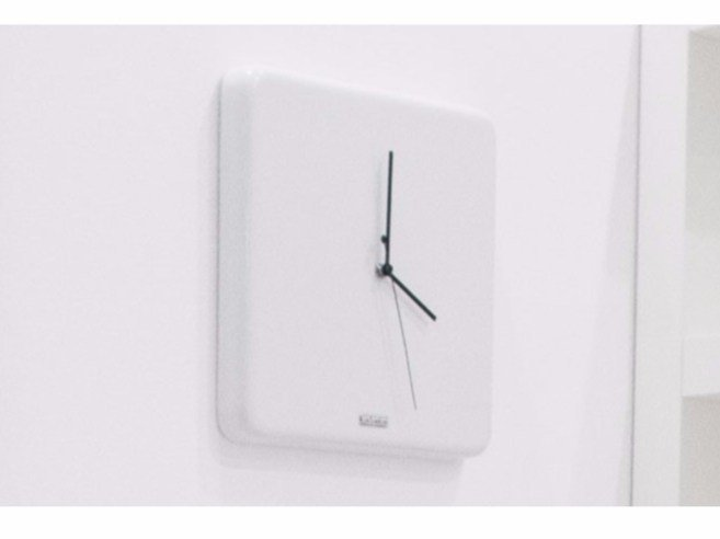 Wall-mounted ceramic clock Ceramic clock by GSG Ceramic Design
