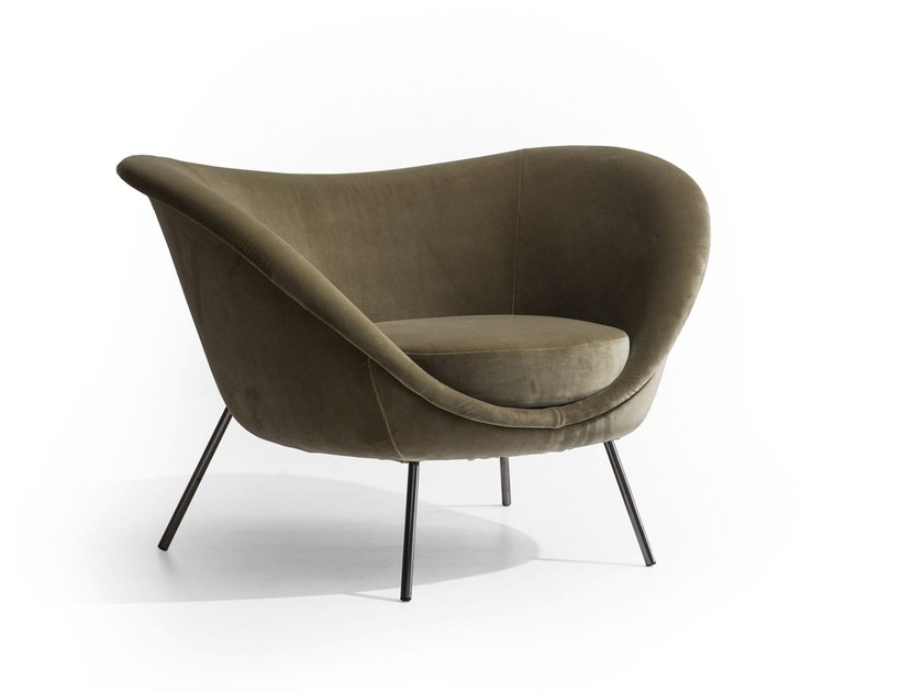 Upholstered armchair with armrests D.154.2   Armchair by Molteni