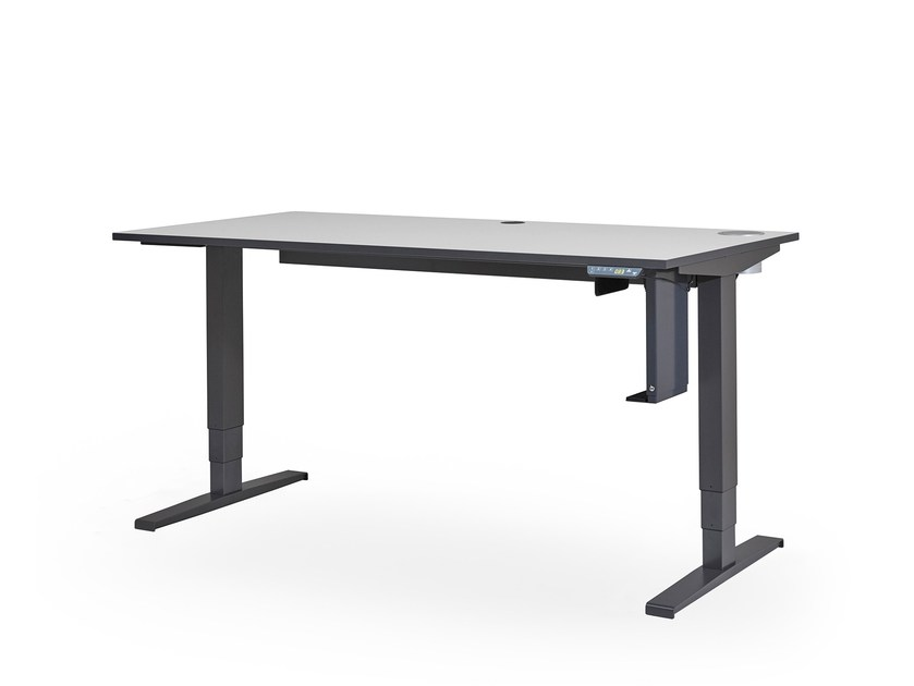 Height-adjustable office desk DARRIO by rosconi