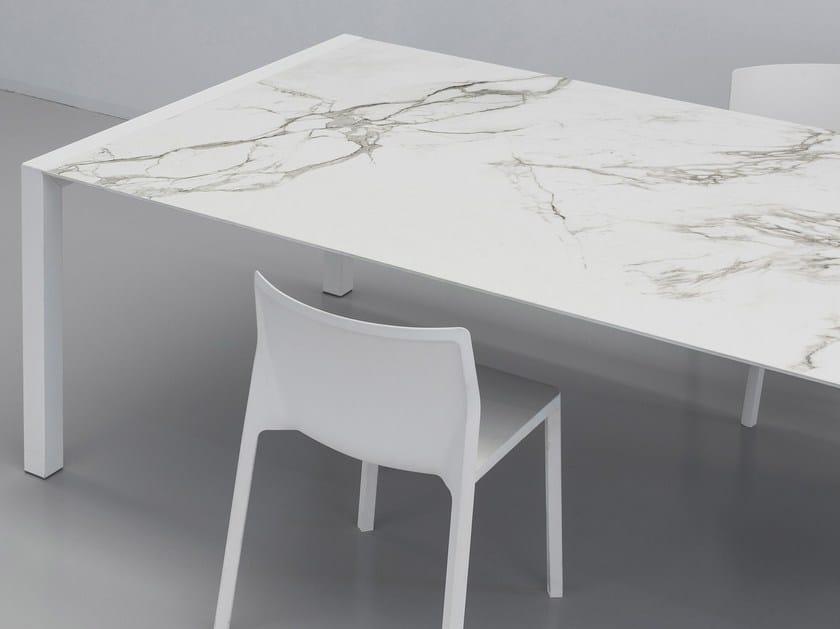 Piano per tavoli in Dekton® DEKTON® | Piano per tavoli by Cosentino