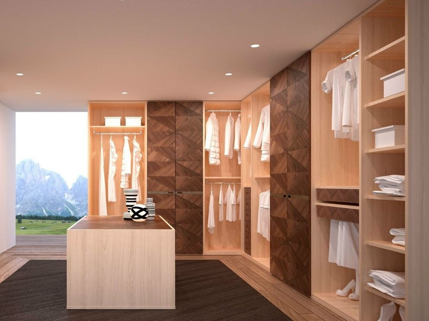 Corner wooden walk-in wardrobe ORIGINAL LIFESTYLE | Walk-in wardrobe by Carpanelli Contemporary