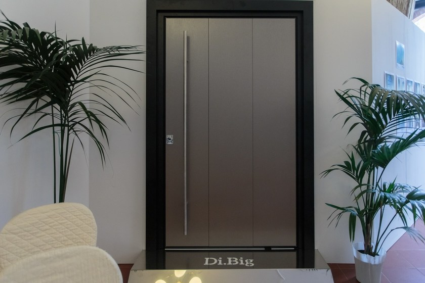 Porta d 39 ingresso a bilico blindata di big dibi porte for Dibi porte blindate