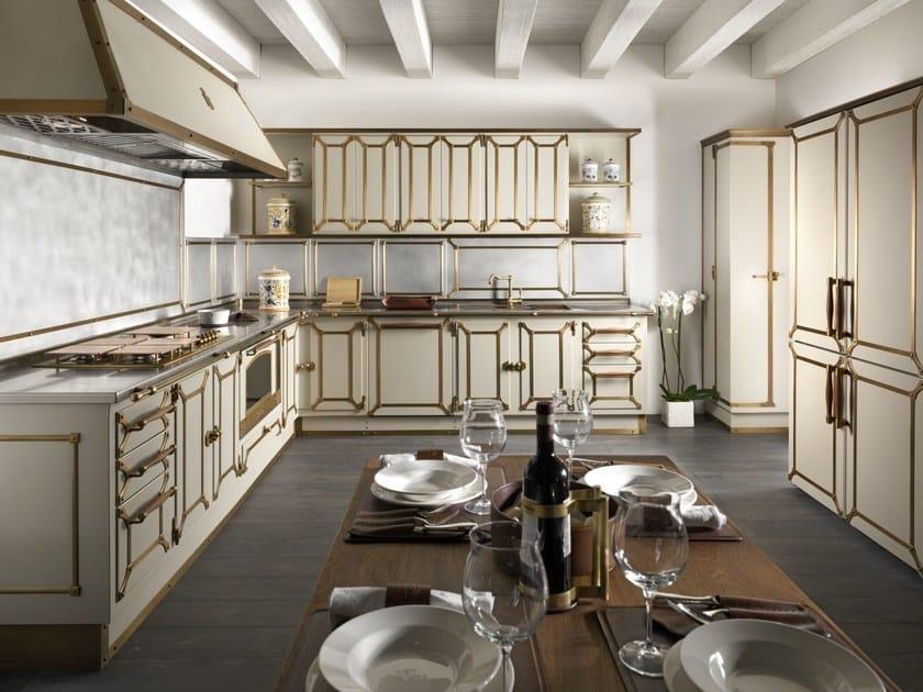 Cucina con maniglie LIGHT BEIGE by Officine Gullo