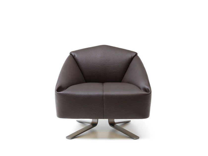 Leather armchair with armrests DS-373 | Armchair by de Sede