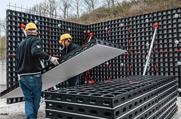 Formwork and formwork system for concrete DUO - PERI