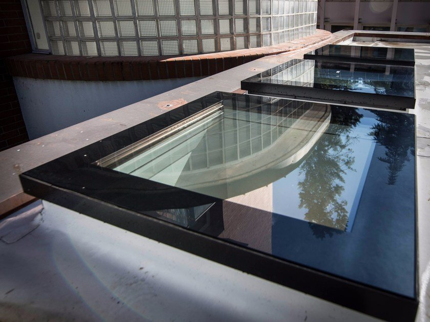 finestra da tetto in pvc dxf du6 fakro. Black Bedroom Furniture Sets. Home Design Ideas