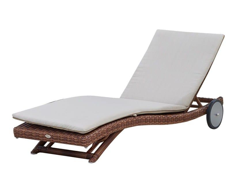 Lettino da giardino reclinabile con ruote EBONY 22008 by SKYLINE design