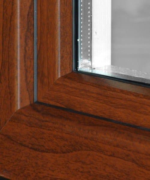 Finestra a battente con doppio vetro in alluminio e legno eco 650 quadra 90 cos met - Finestre in legno con doppio vetro ...