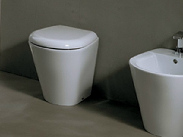 Contemporary style ceramic toilet EDGE TONDA | Toilet by Alice Ceramica