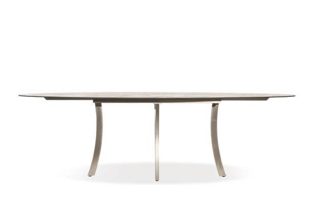 Elyps table by joli design tom de vrieze for Table exterieur joli