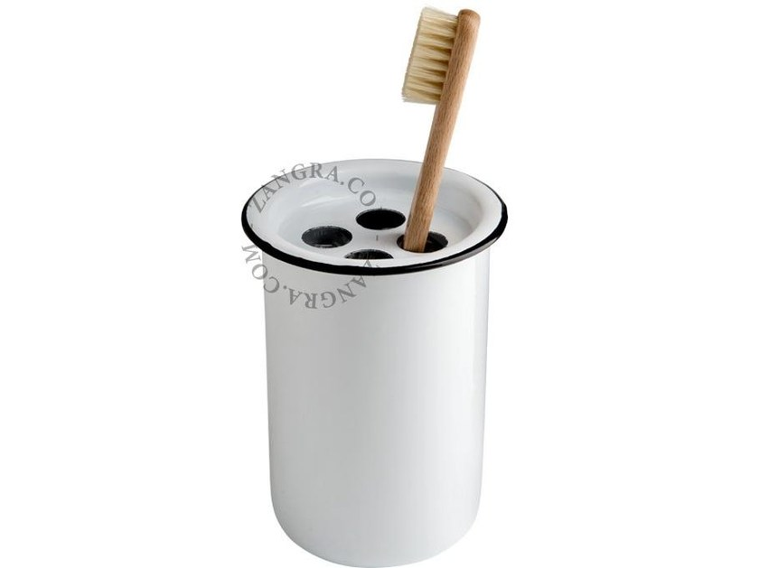 Enamelled metal toothbrush holder ENAMEL TOOTHBRUSH MUG by ZANGRA