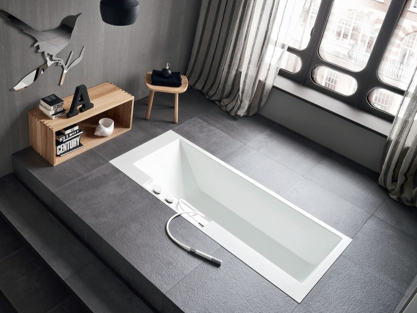 Rectangular Corian® bathtub ERGO-NOMIC | Built-in bathtub by Rexa Design
