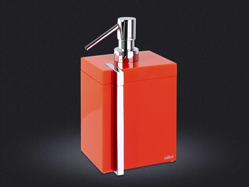 Resin liquid soap dispenser ESQUADRO | Liquid soap dispenser - Vallvé Bathroom Boutique