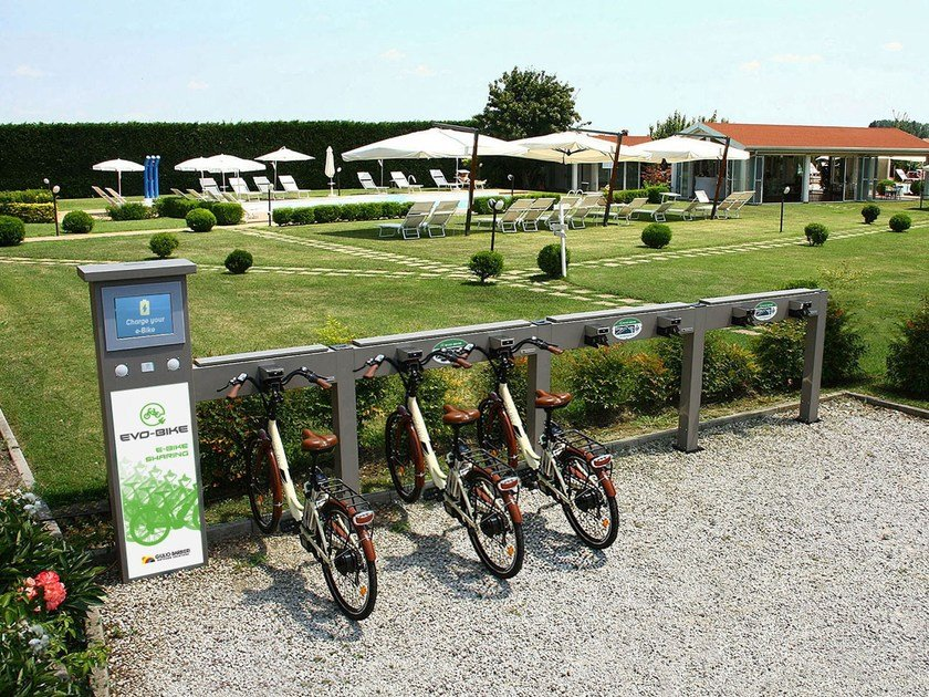 Power distribution unit for bikes EVO-BIKE by Giulio Barbieri