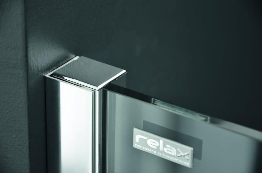 Cabina de ducha de esquina en aluminio y vidrio con puertas ...