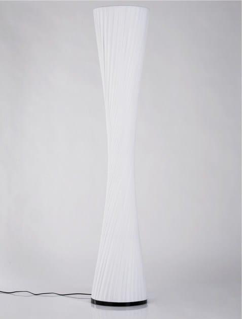 Polyethylene floor lamp FACILE TAILLE 180 - KARE-DESIGN