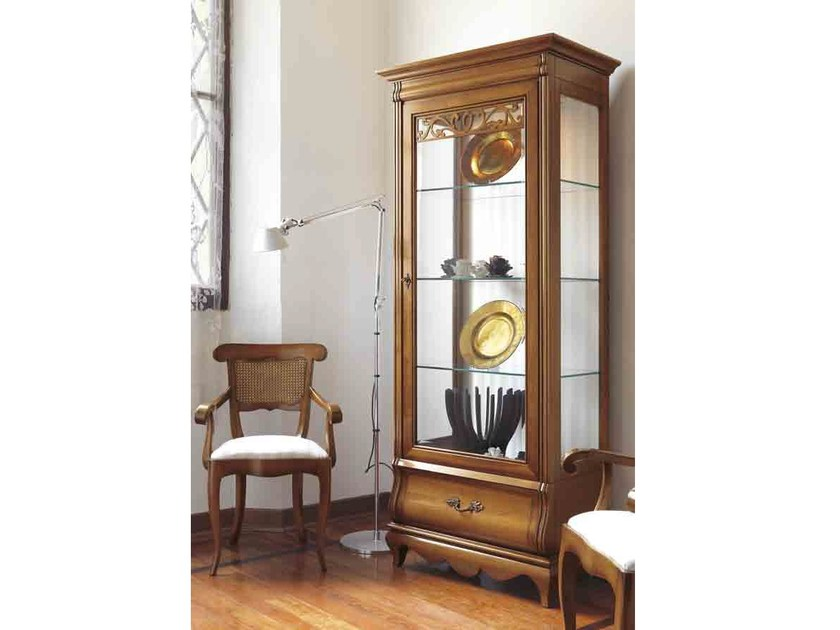 Solid wood display cabinet with integrated lighting FENICE | Display cabinet with integrated lighting by Arvestyle