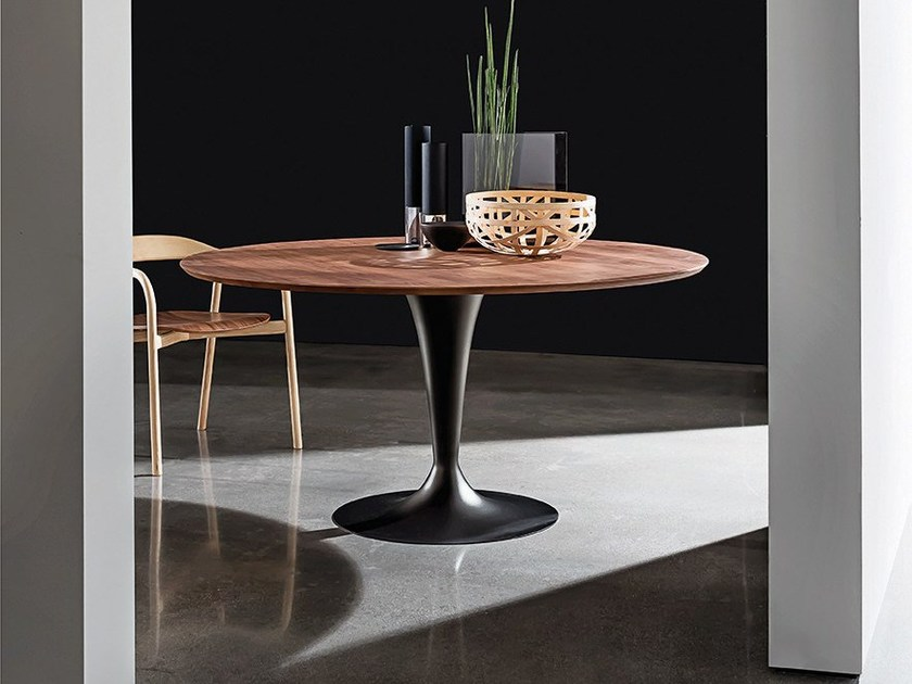 Round wooden dining table FLÛTE WOOD | Table - SOVET ITALIA