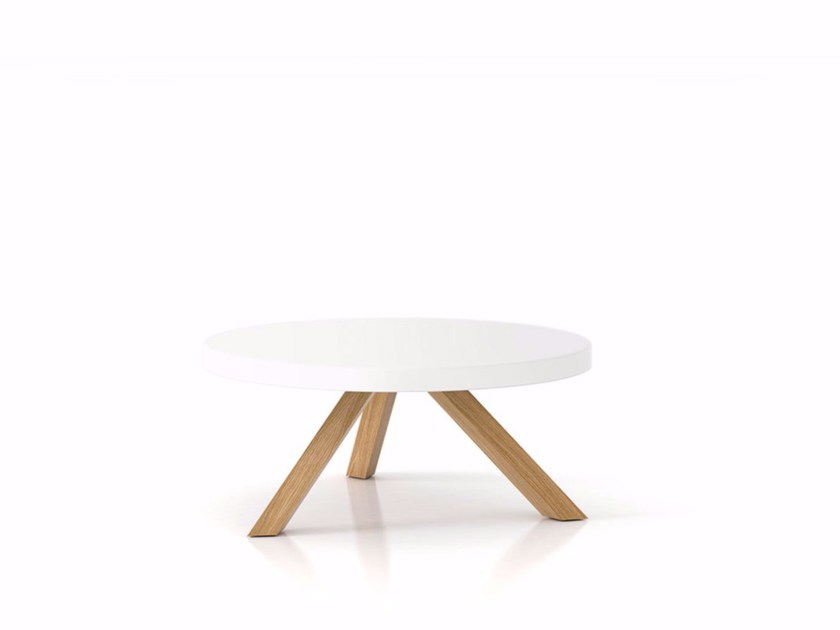 Round solid wood contract table FLAK | Table - Punt