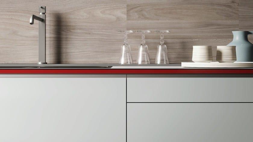 Cucina componibile FORMA MENTIS - ANTA VETRO / MELAMMINA By VALCUCINE