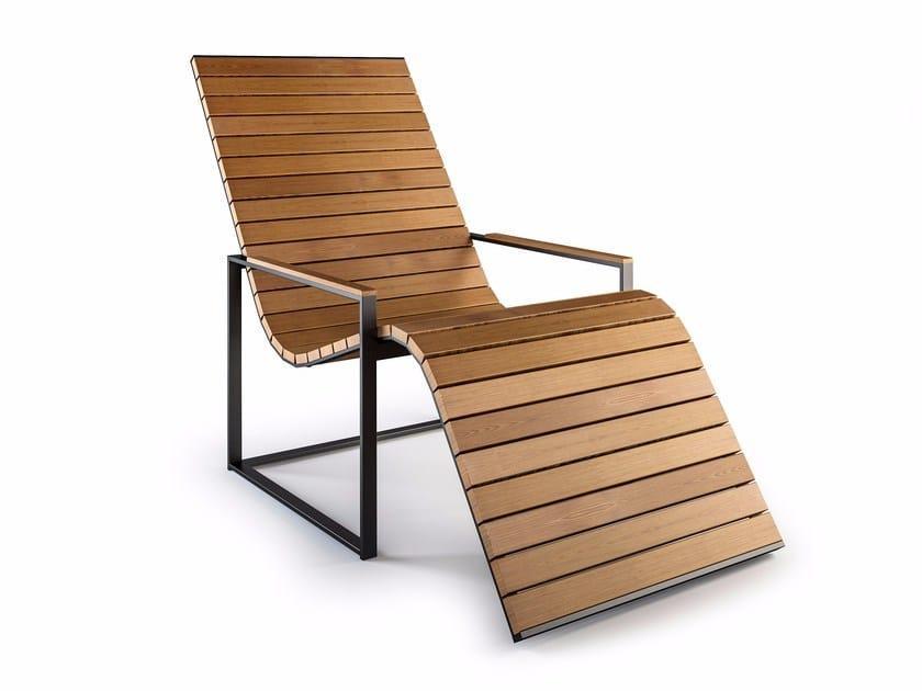 Wooden deck chair with armrests GARDEN SUN CHAIR - Röshults