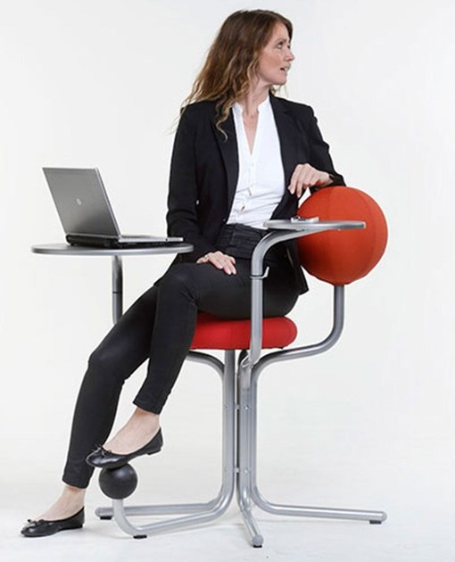 Ergonomic task chair with 4-Spoke base GLOBE TREE - The Globe Concept by Moment