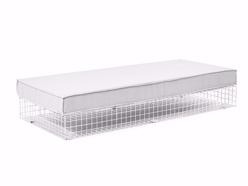 Steel and Fabric Daybed GRID | Garden daybed - Varaschin
