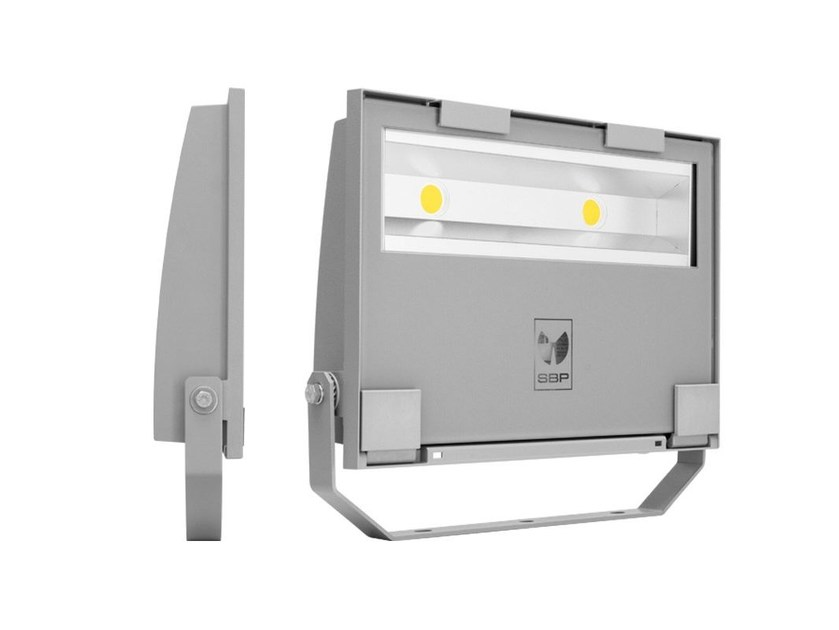 LED adjustable Outdoor floodlight GUELL 2 - Performance in Lighting