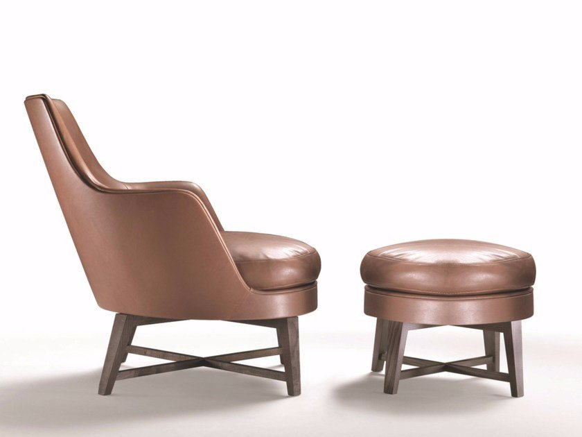 Upholstered leather armchair with armrests GUSCIO | Leather armchair by FLEXFORM