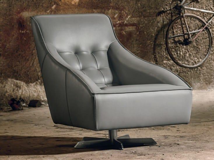 Armchair with 5-spoke base GUSCIO by Max Divani