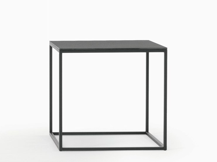 Square garden side table HELSINKI 15 OUTDOOR | Square coffee table - Desalto