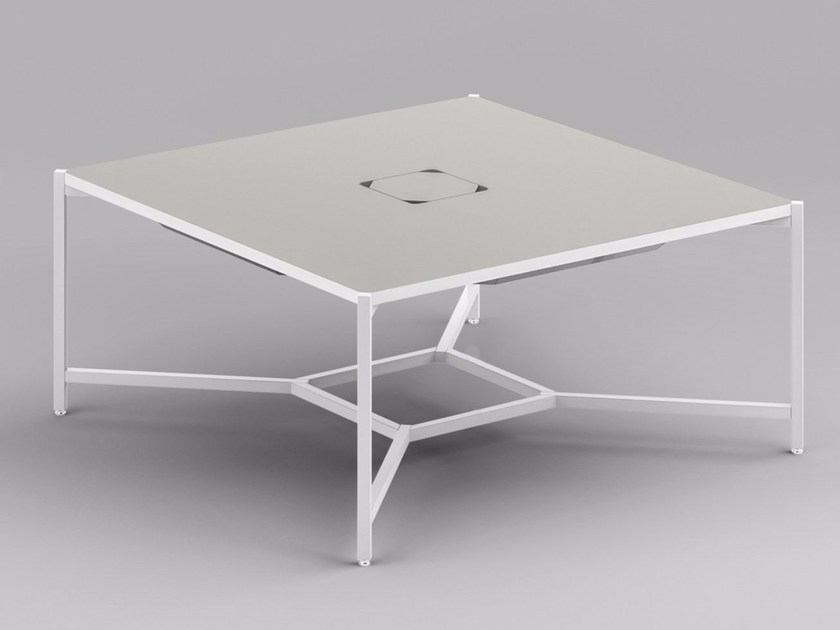 Square meeting table with cable management HUB | Square meeting table - FANTONI
