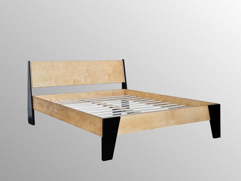 Plywood double bed HUH | Bed by Radis