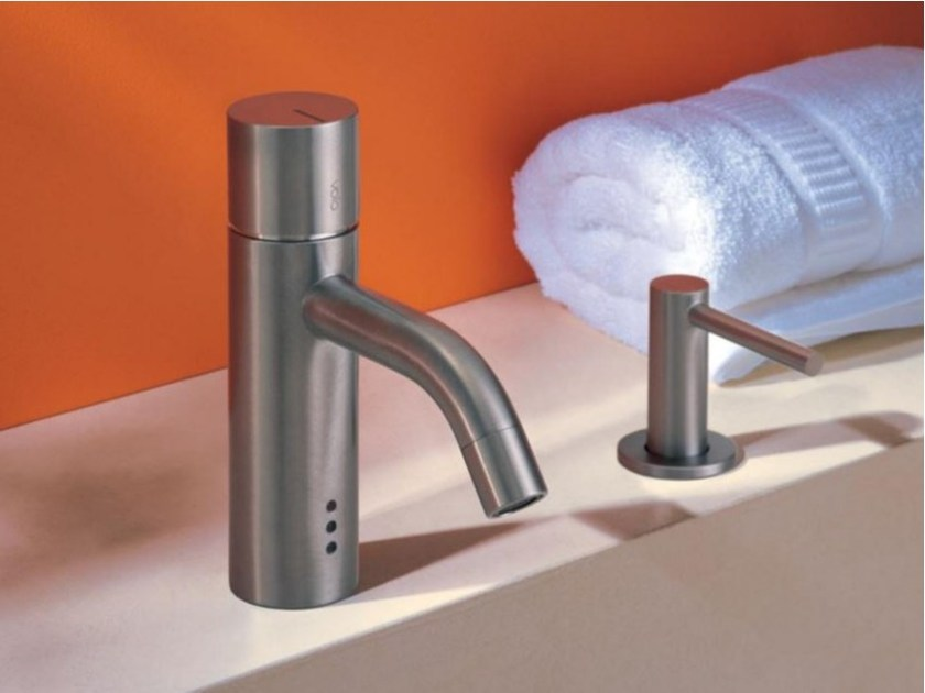 Countertop electronic washbasin mixer HV1ET36 | Washbasin mixer - VOLA