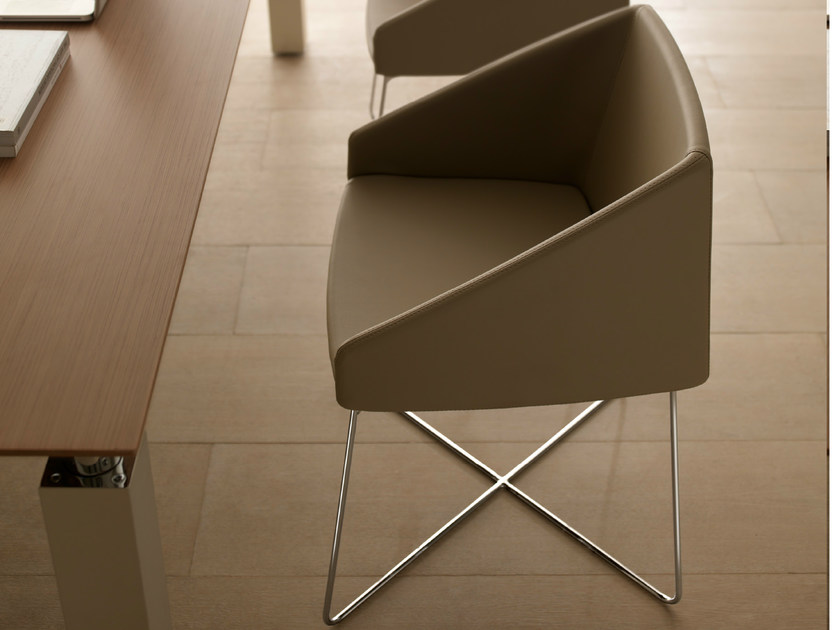Leather chair with armrests HYWAY | Chair with armrests by Quinti Sedute