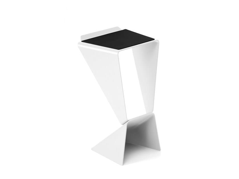 Stackable aluminium stool ICON - B-LINE